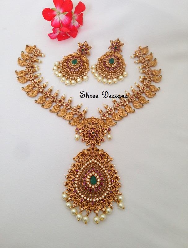 Stone Mango Necklace Set