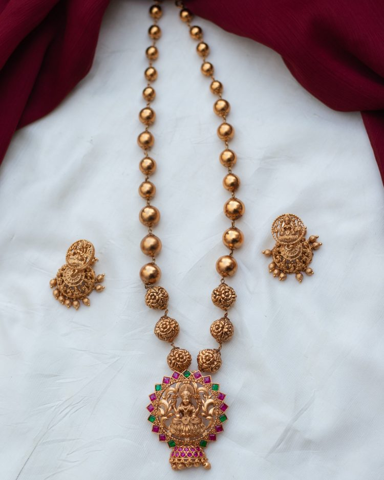 Imitation Antique Ball Necklace - 01