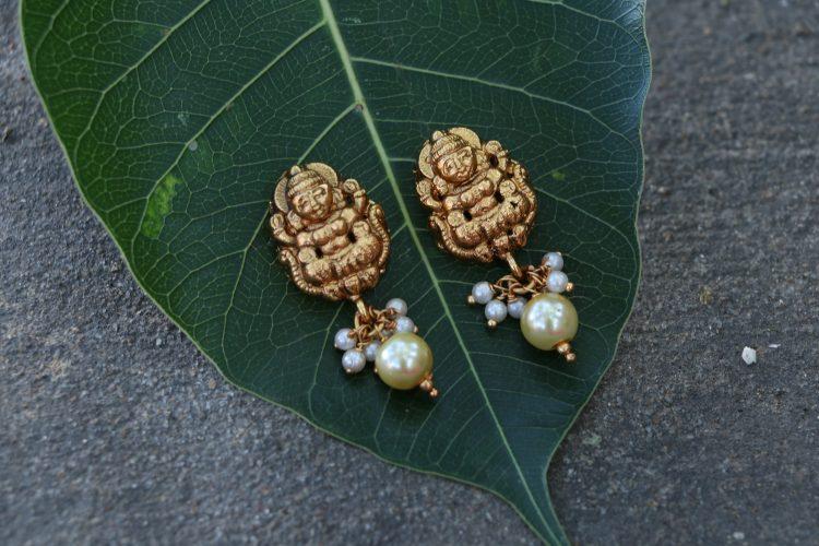 Real Kemp Stone lakshmi Pendant Stone Necklace -01