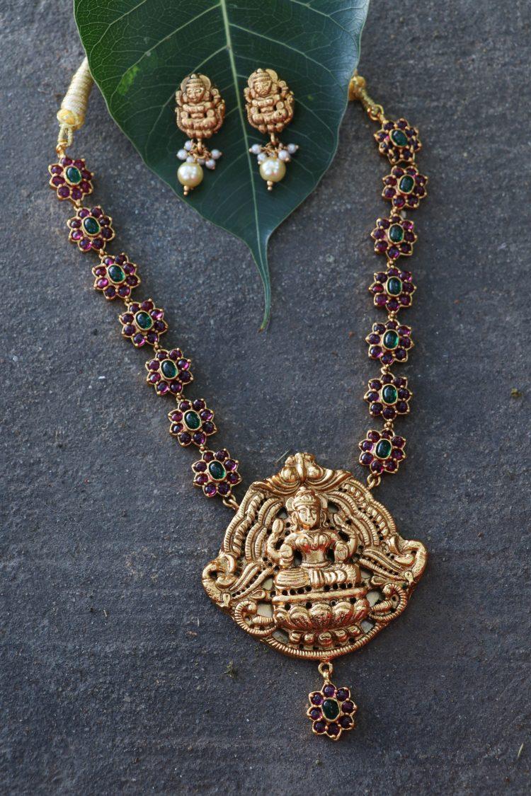 Real Kemp Stone lakshmi Pendant Stone Necklace- 02
