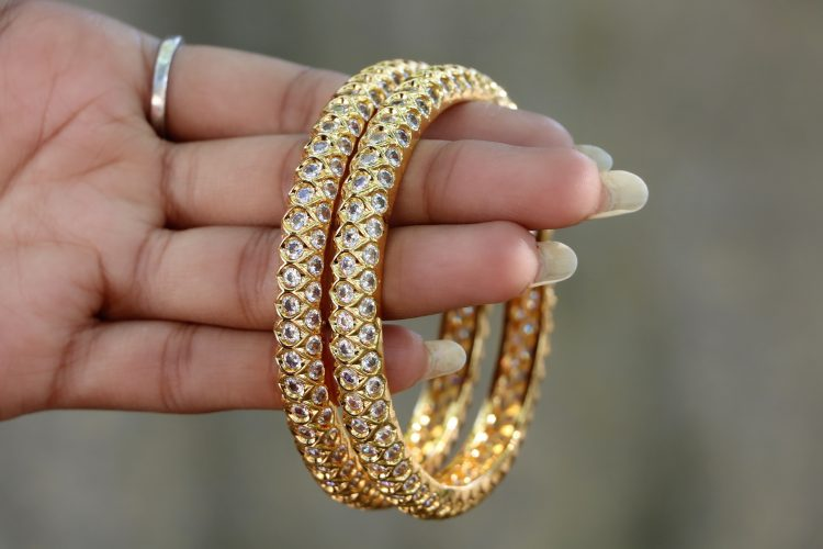 antique gold finish ad stone bangles