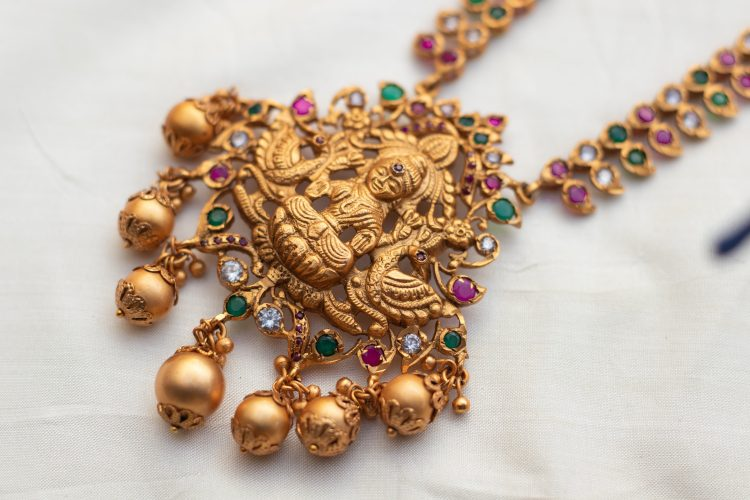 One-Gram-Gold-Lakshmi-Necklace-With-Earrings-01