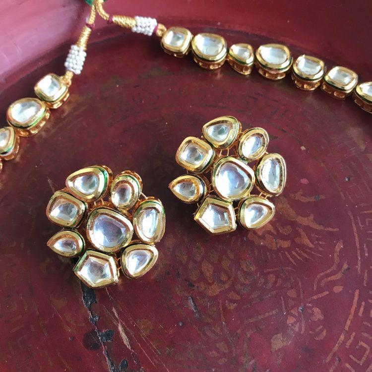 Vilandi Kundan Single Layer Necklace-03
