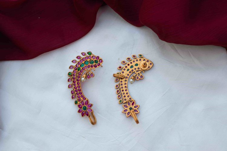 Antique-Fish-Ear-Cuff-With-Green-Red-Stones-02-min