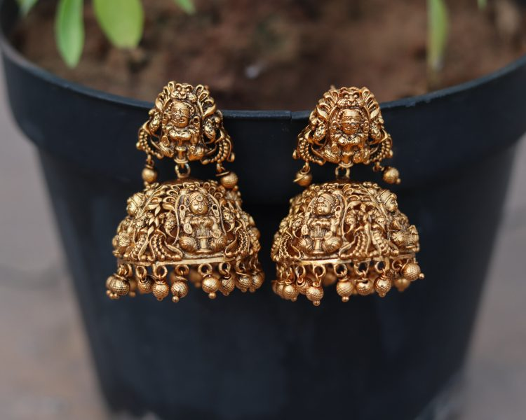 Bold Bridal Antique Jhumka