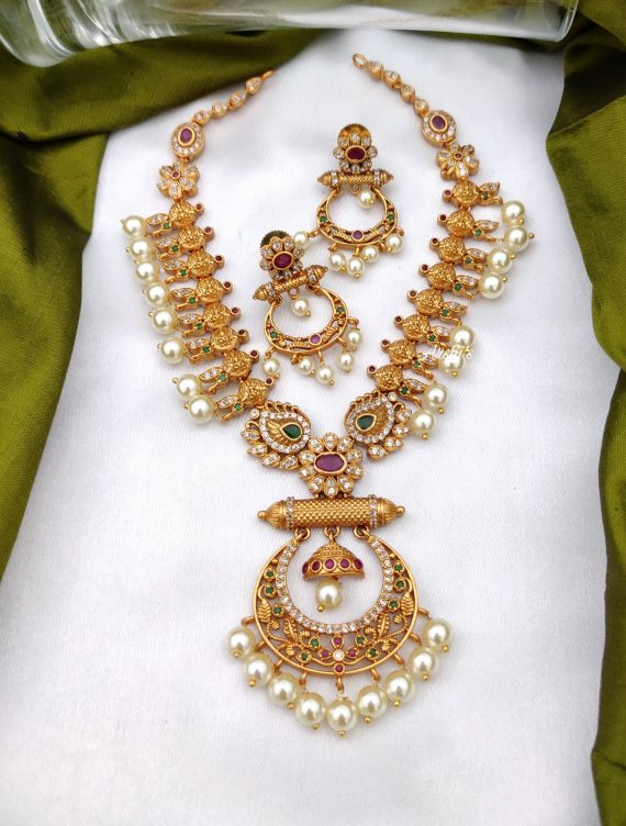 Simple Pearl Lakshmi Chandbali Necklace-01