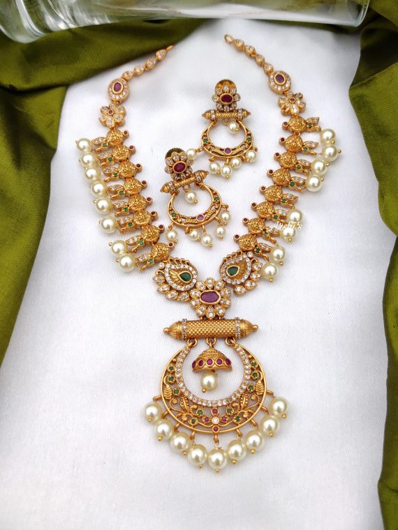Simple Pearl Lakshmi Chandbali Necklace-01