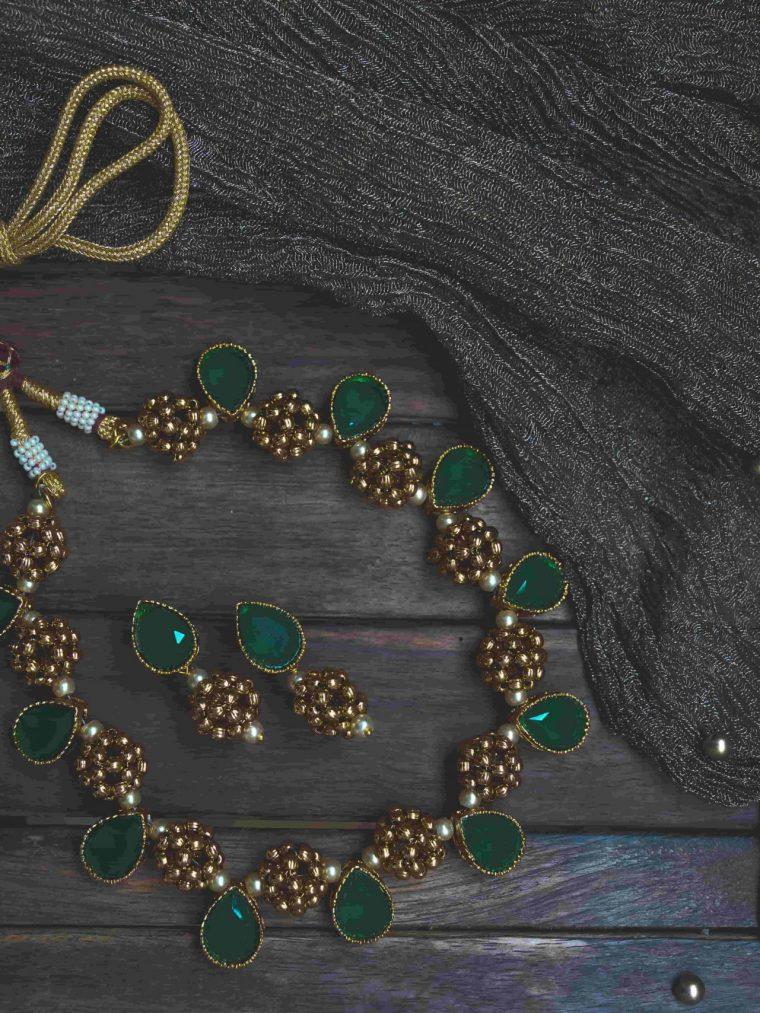 Beautiful Antique Emerald Teardrop Necklace-01