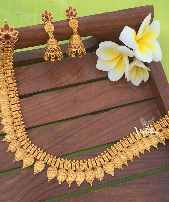 Beautiful Lakshmi Kasu Necklace-01