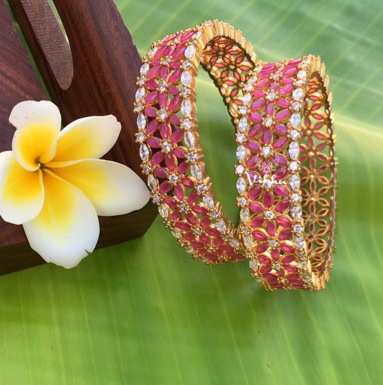 Beautiful Leaf Designed Bangles-01