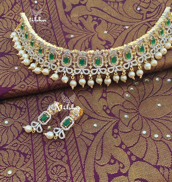 Classic Diamond Finish Green Stone Wedding Choker-01