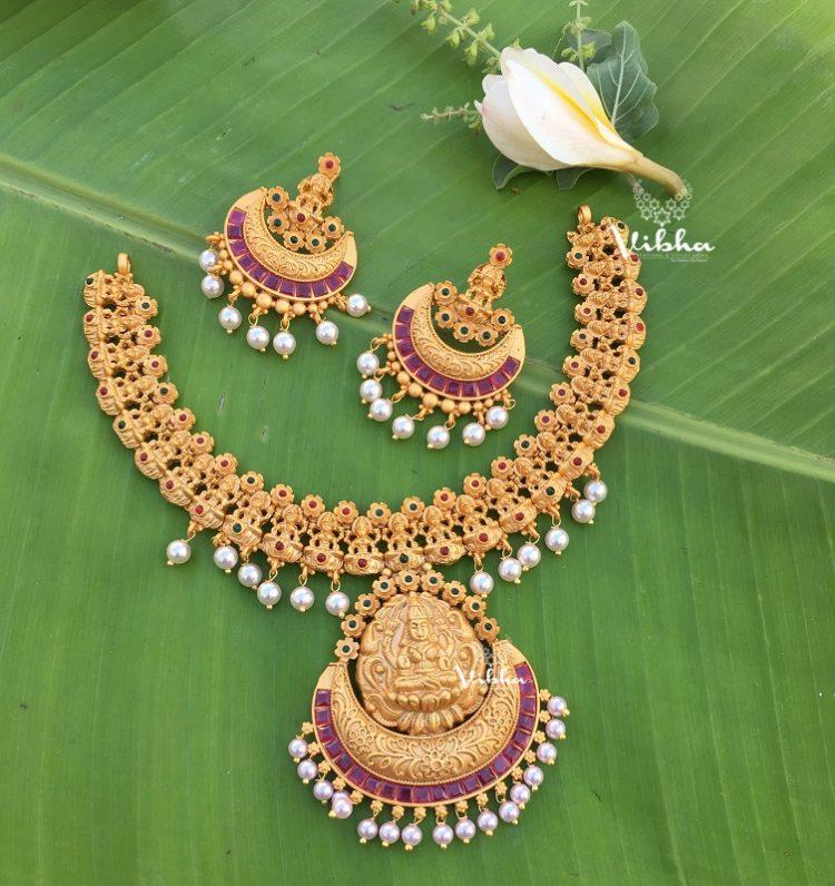 Floral Design Temple Lakshmi Necklace-01