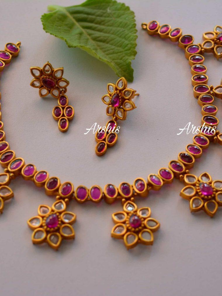 Flower Design Uncut AD Stone Necklace-01