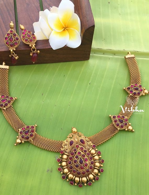 Gorgeous Traditional Design Matte Necklace-01