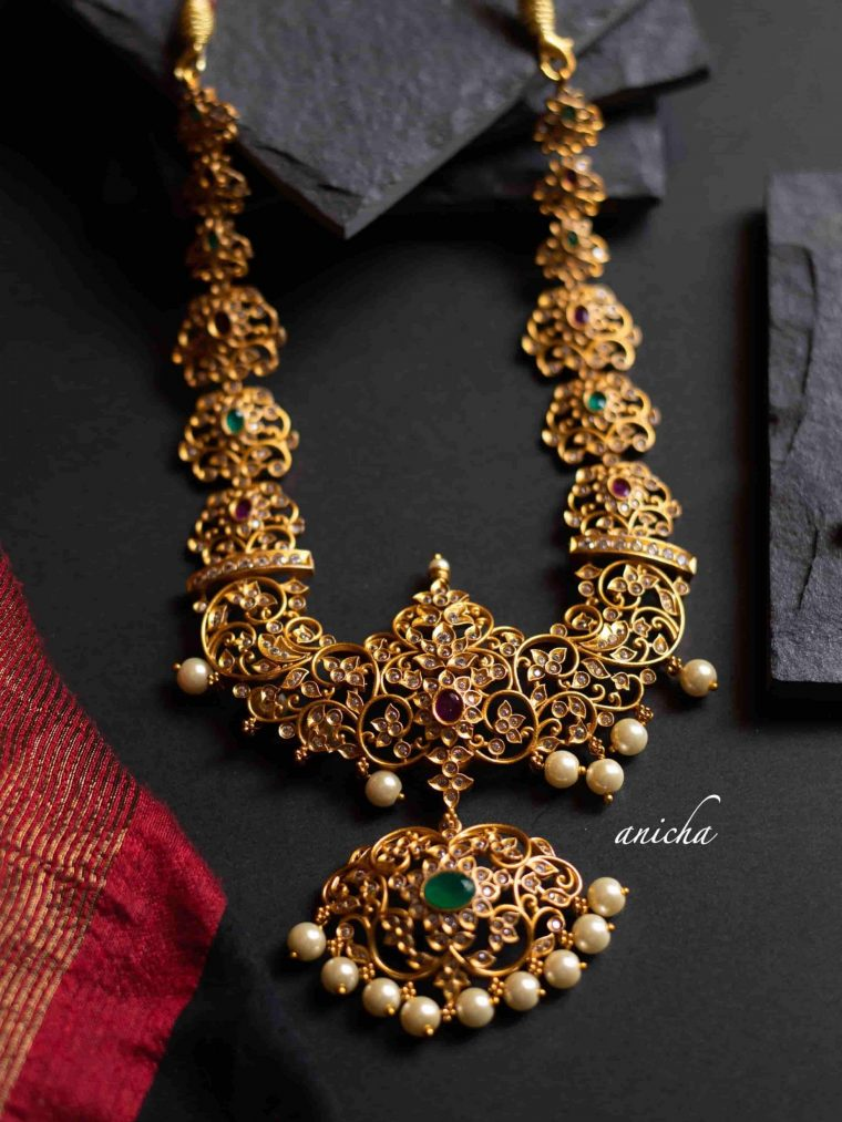 Grand AD Stone Cutwork Necklace-01
