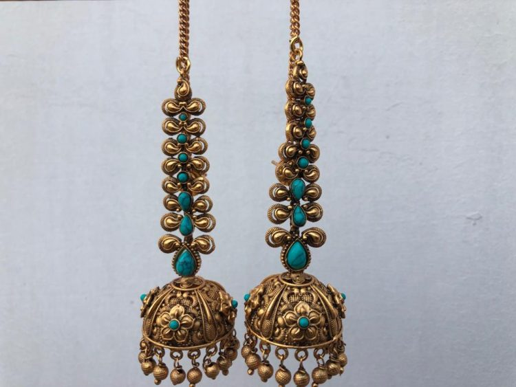 Grand Bridal Jhumkas with Ear Chains-04