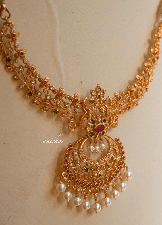 Imitation Ruby Green Cutwork Necklace-01