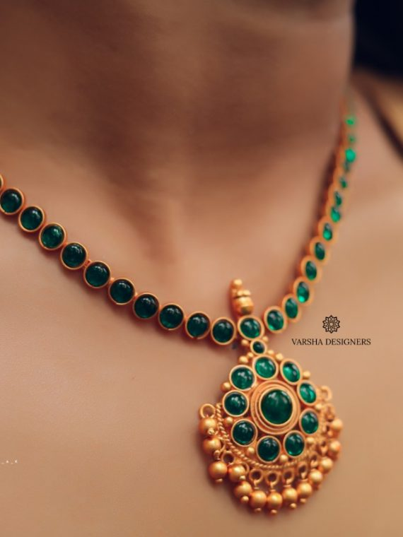 Simple Floral Gold Finish Emerald Necklace-01