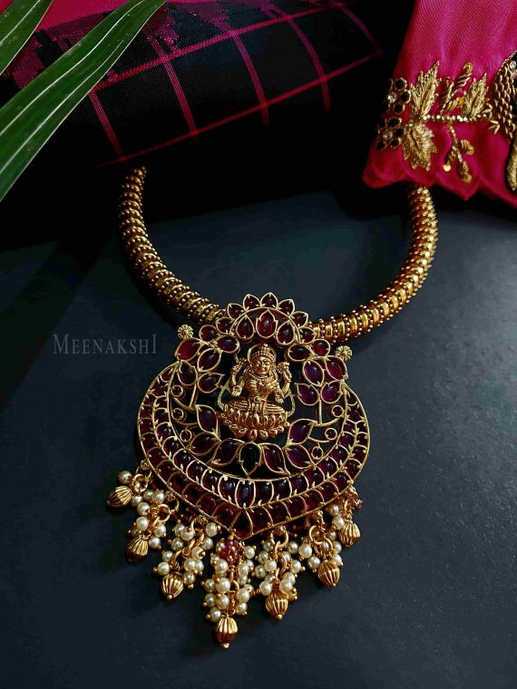 Adorable Kante with Real Kemp Lakshmi Pendant Necklace-01