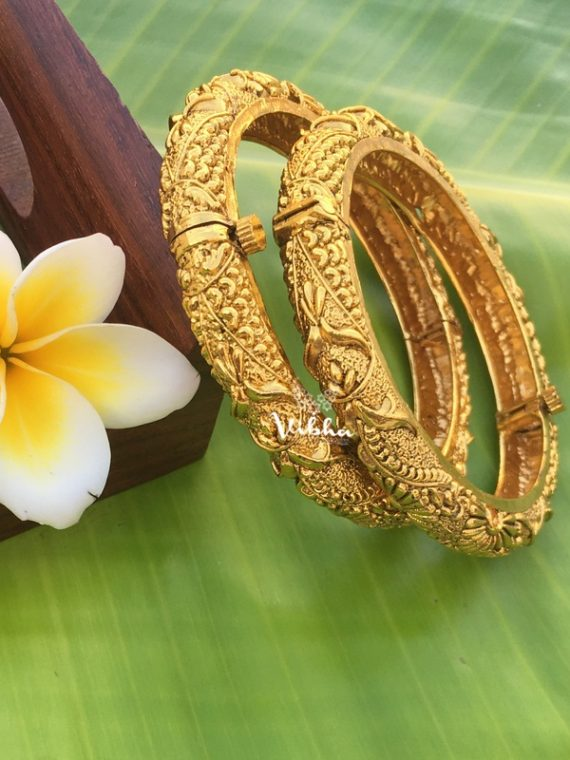 Beautiful Antique Finish Kada Bangles-01