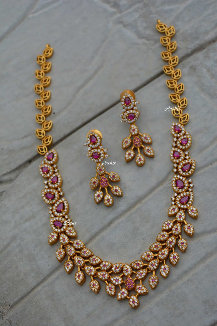 Beautiful Diamond alike Necklace-01