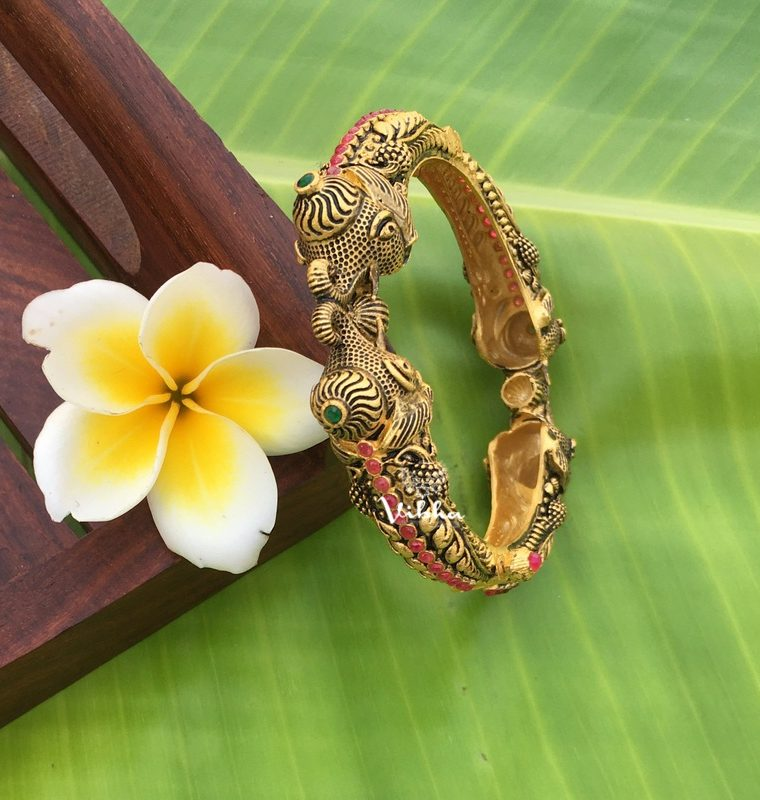 Beautiful Matte Antique Kada Bangles-01