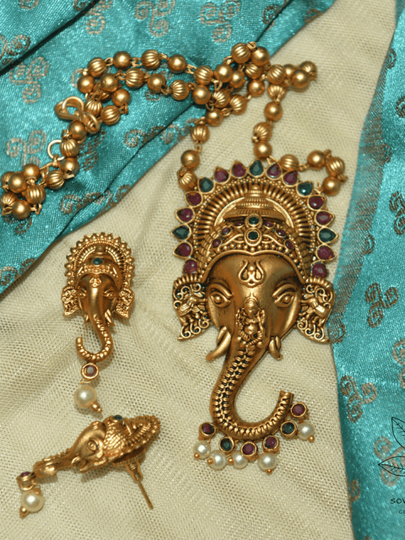 Designer Ganesha Pendant Short Necklace-01