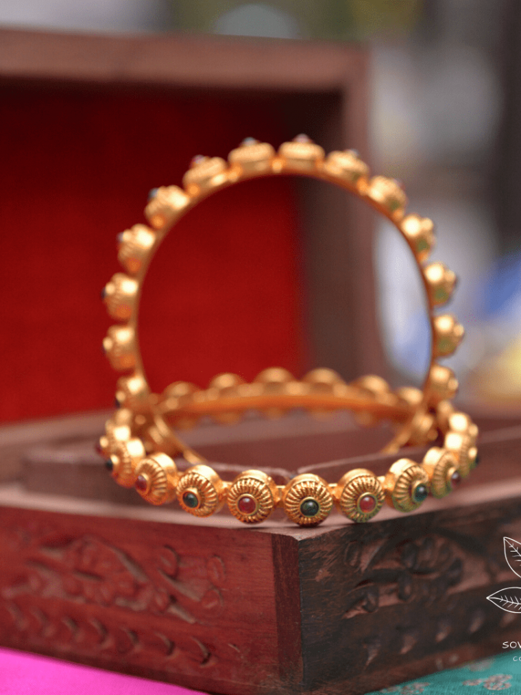 Dot Shaped Red & Green Stone Bangles-01
