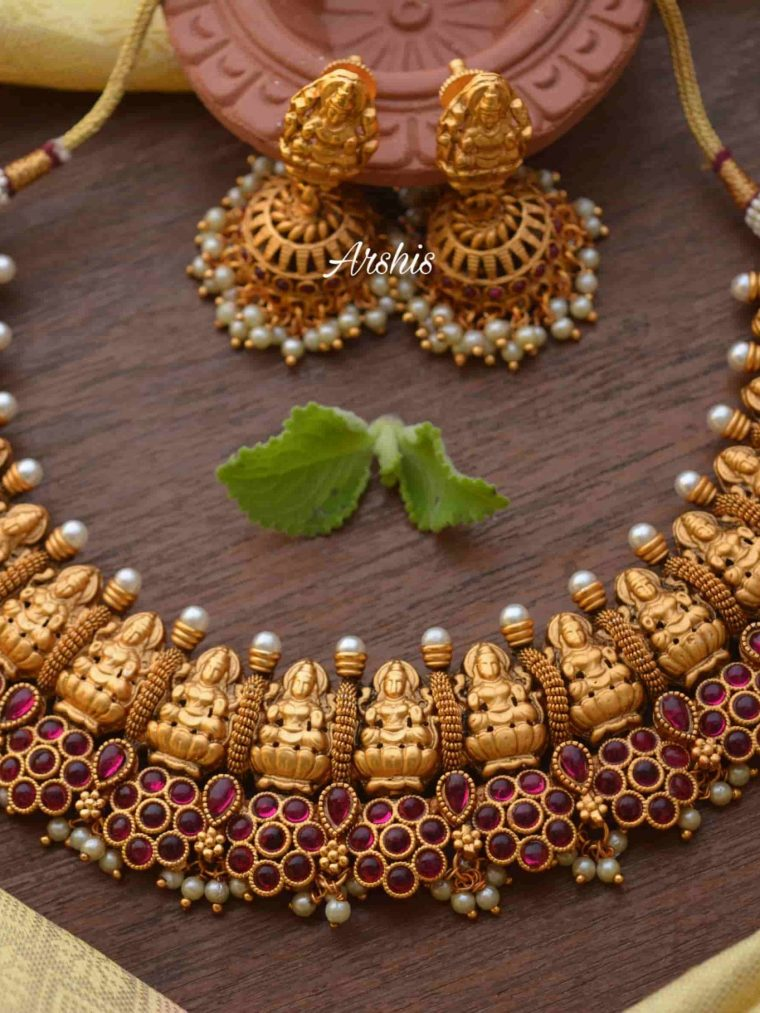 Flower Design Kemp & Green Stone Lakshmi Nagas Necklace-01