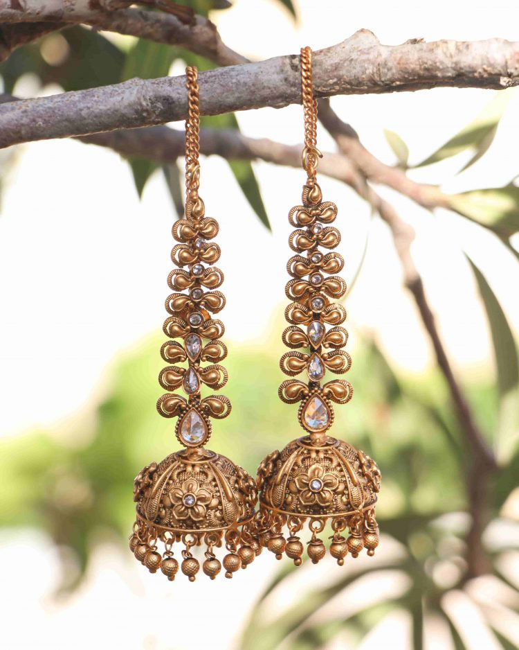 Grand Bridal Jhumkas with Ear Chains-06
