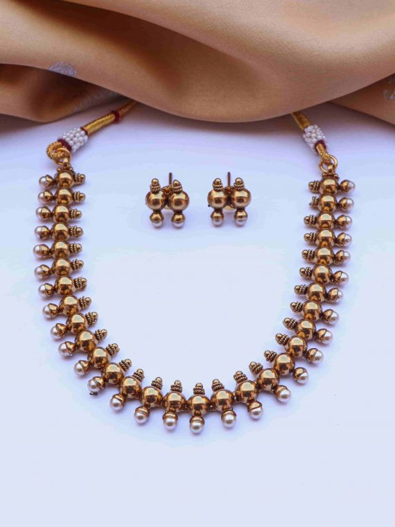 Imitation Simple Gold and Pearl Short Necklace-01