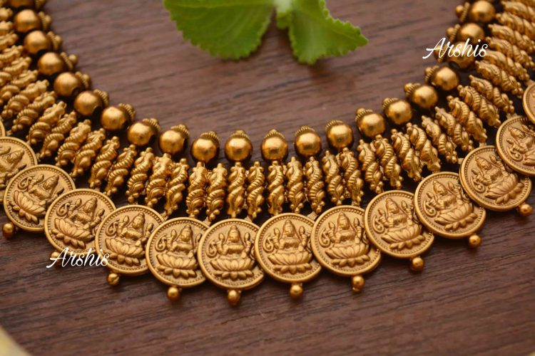 Lakshmi Coin with Side Mogapu Necklace-02