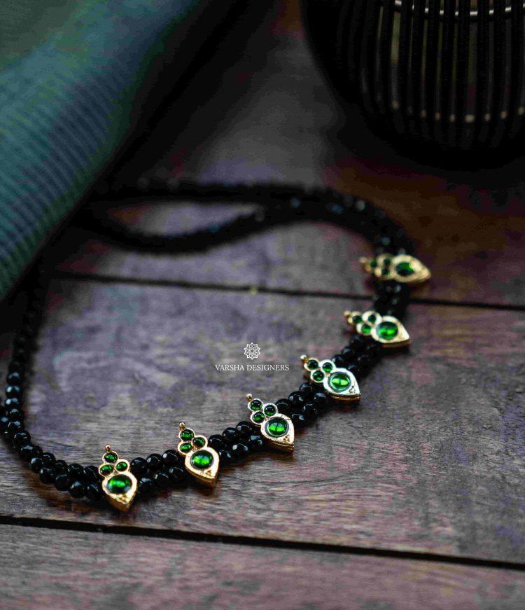 Simple Double Layer Emerald Kemp Choker-01 (1)
