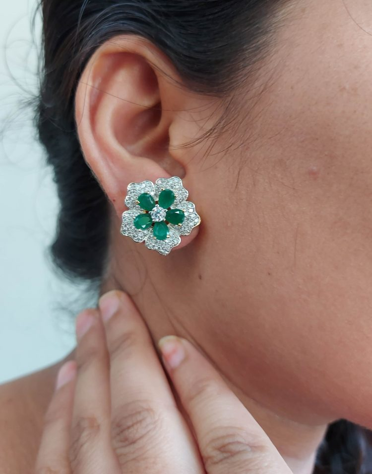 Sparkling Floral Diamond Eartops-04