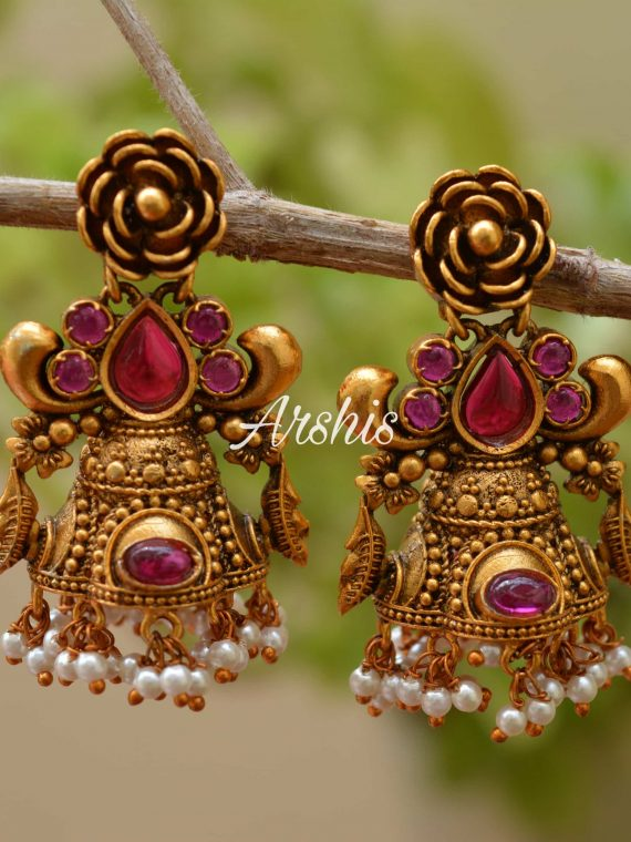 Beautiful Flower Design Earrings