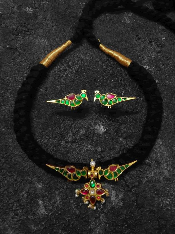 Handmade Green Parrot Design Thread Chocker Set