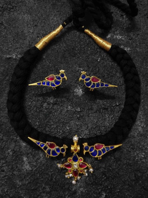 Handmade Blue Parrot Design Thread Chocker Set