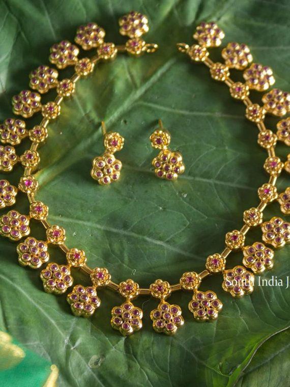 Elegant Flower Design Necklace