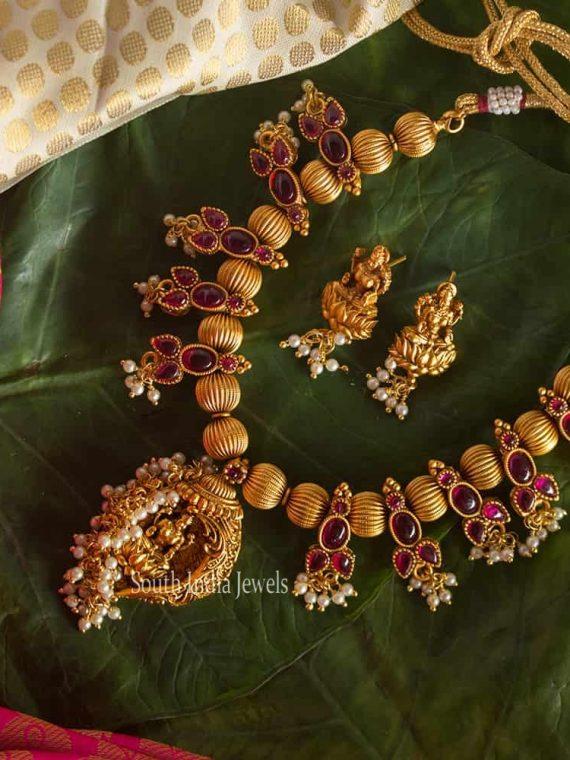 Beautiful Kemp Stone Lakshmi Pendant Necklace-01