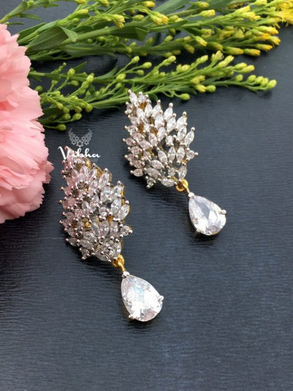 Adorable Leaf Designer Earrings-02