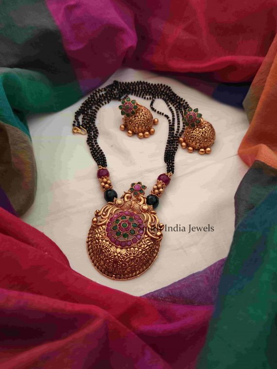 Beautiful Black Beads Mangalsutra-01