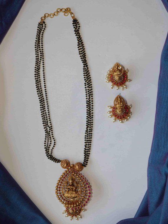 Black Bead Lakshmi Pendant Long Necklace-01