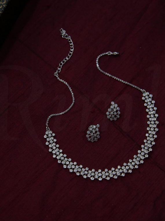 Classic Diamond alike Necklace-01