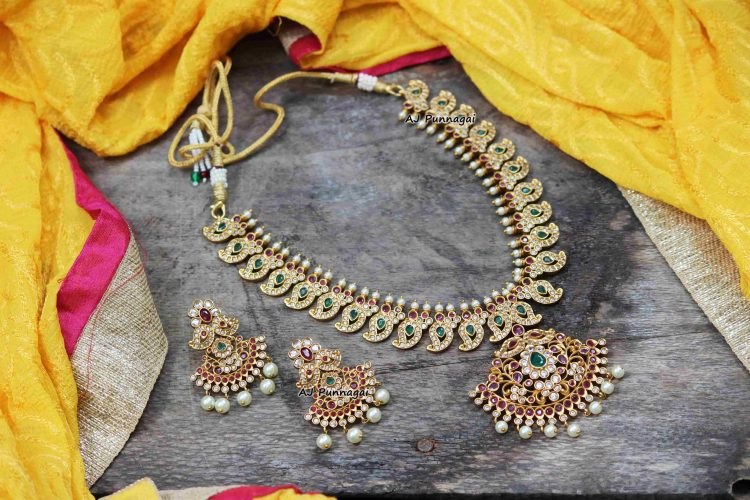 Classy Traditional AD Mango Necklace-01