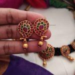 Elegant Mango Design Thread Necklace-02