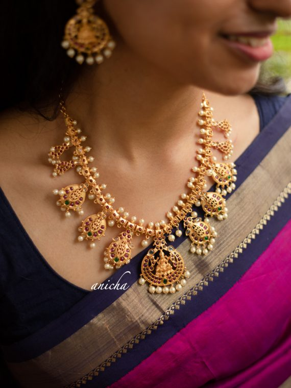 Grand Lakshmi Pearls Necklace-01