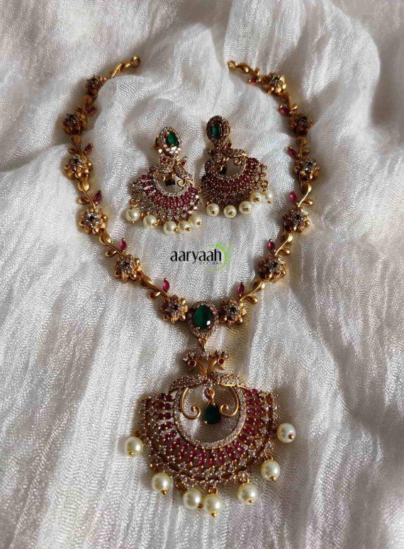 Trending Peacock Flower Necklace-01