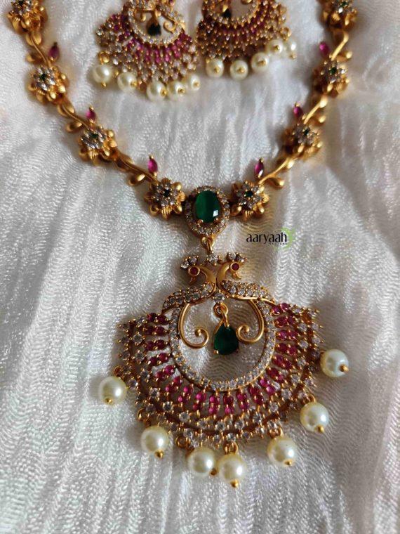 Trending Peacock Flower Necklace-02
