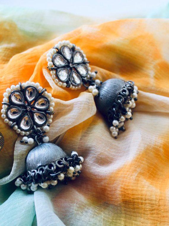 Simple Black Finish Pearl Jhumka