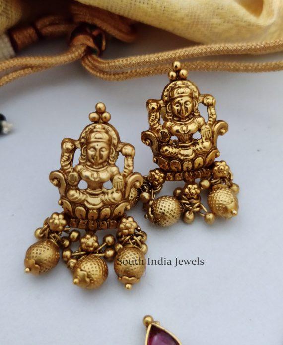 Antique Temple Lakshmi Gold Beaded Choker-03